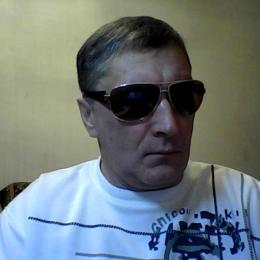 Парень из Хабаровска. Ищу девушку, которая сделает минет в обмен на куни