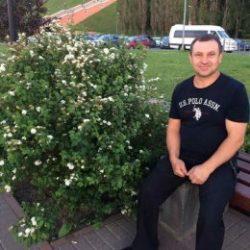 Парень пригласит девушку для приватного общения в Хабаровске