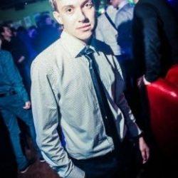Молодой и неопытный парень ищет девушку в Хабаровске для интим встреч