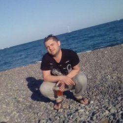 Спортивный парень ищет отличный секс с девушкой в Хабаровске