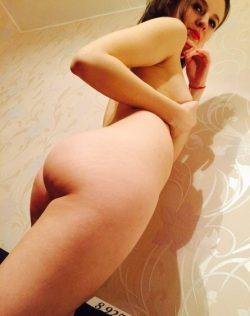 Девушка красотка хочет разнообразия с опытным мужчиной для жарких ночей в Хабаровске