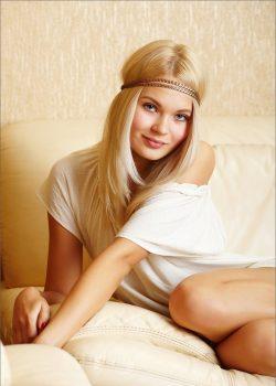 Девушка ищет мужчину  в Хабаровске.