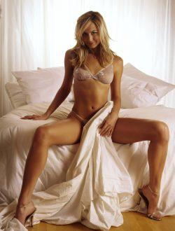 Молодая, веселая блондинка, ищу мужчину для секса в Хабаровске