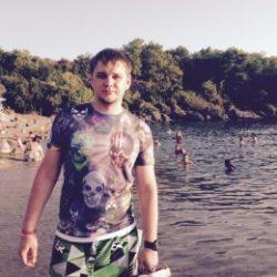 Я атлетичный парень, с фото, славянская внешность, хочу развлечься с модной девушкой в Хабаровске